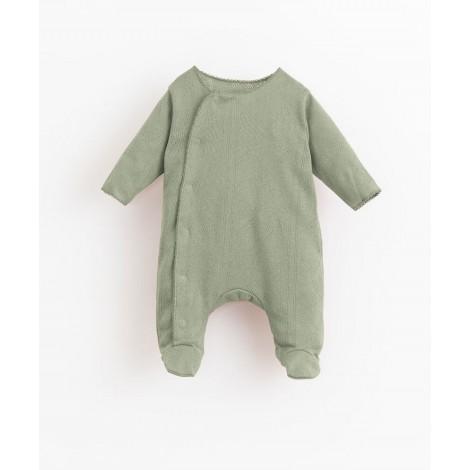Pelele bebé básico con pie y encajes en JOAO