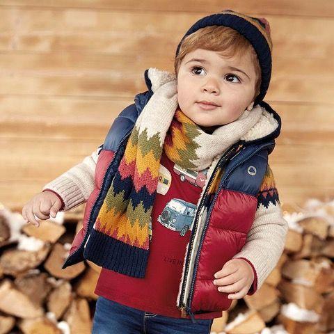 Liquidación de ropa Mayoral niño con bufanda