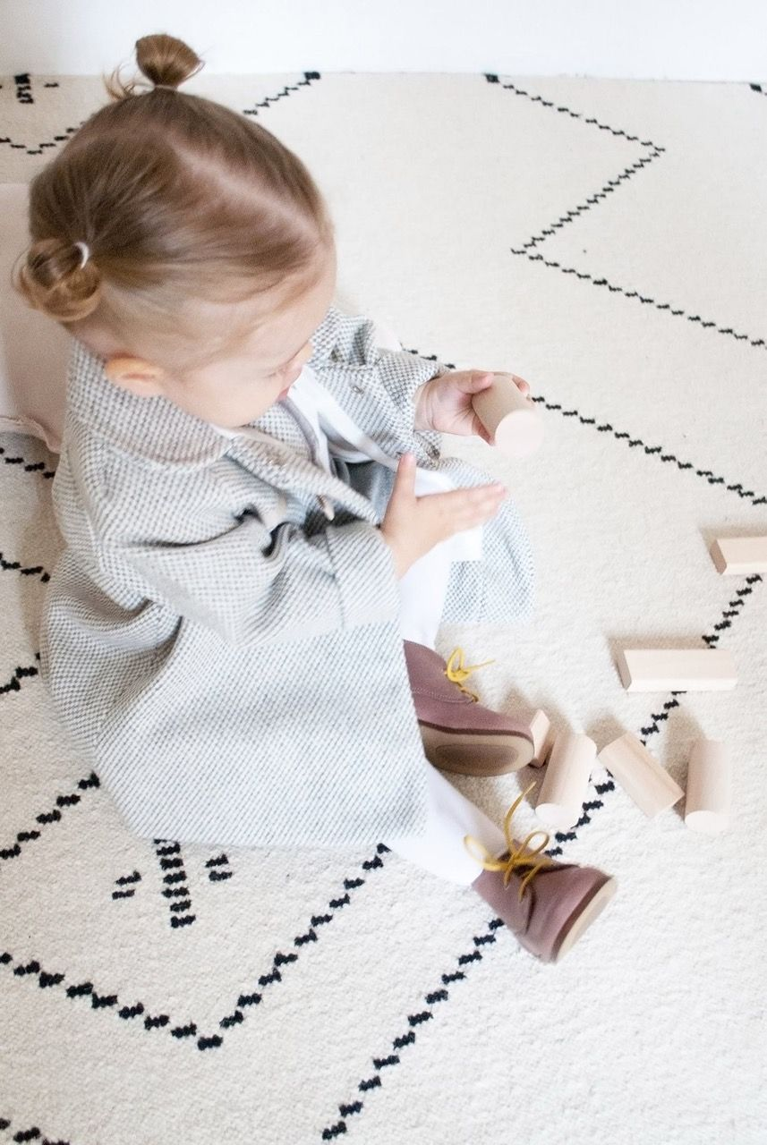 Outlet de ropa infantil Normandie imagen niña